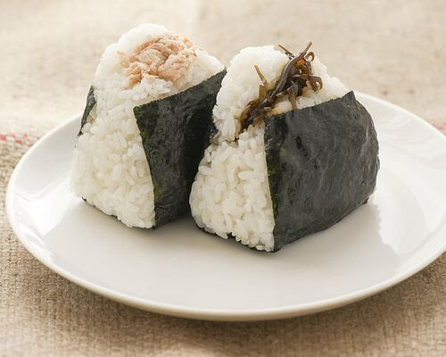 rice-ball-food-diet-japan
